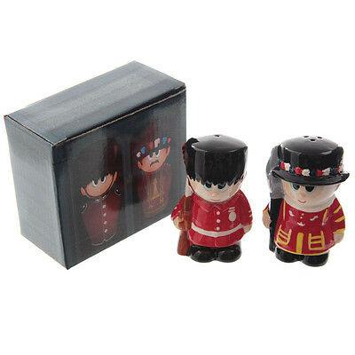 New Ceramic Guardsman & Beefeater Salt & Pepper Set Pot Kitchen Decoration LON53