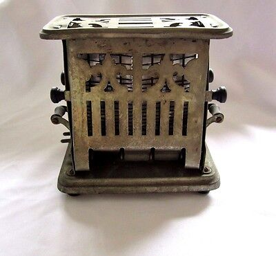 Vintage UNIVERSAL Pull End Electric Toaster Landers,Frary & Clark E9412