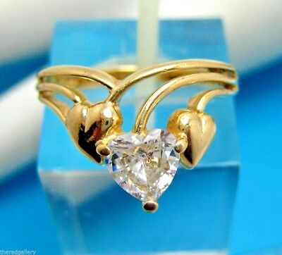 Vintage 14K Yellow Gold Ring with Hearts Shaped Cubic Zirconia CZ Size 6  3.2g