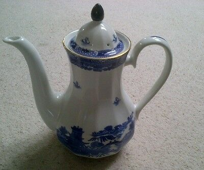 Ringtons  Willow Blue & White Coffee Pot made by Wade - Good Condition