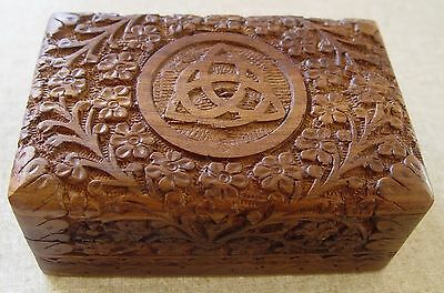 TRIQUETRA WOODEN BOX - DEEPLY CARVED - TAROT BOX Wicca Witch Pagan Goth