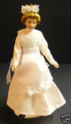 1:12 Scale Maid In A Pink Dress Tumdee Dolls House Miniature People - Doll