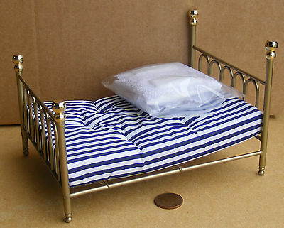 1:12 Brass Metal Double Bed & Covers Dolls House Miniature Bedroom Accessory 113