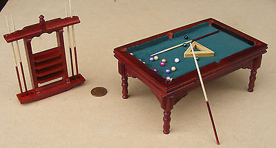 1:12 Mahogany Pool Table Balls 6 Cues Dolls House Miniature Pub Snooker Pool