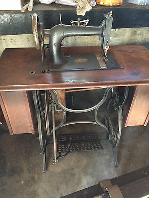 Antique New Home Treadle Sewing Machine In Wood Cabinet 6 Drawers Cast Iron Base