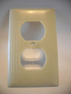 Vintage IVORY Duplex Outlet Wall Cover Plate Ribbed Bakelite Sierra Electric