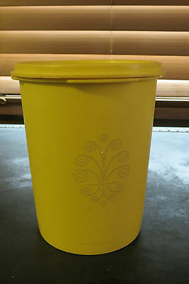 Vintage Tupperware 811 Canister Daffodil Servalier Lid Round 5 Cup Sz Yellow
