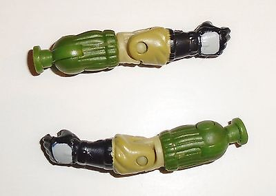 GI Joe Body Part 1997 Stalker V6      Left Arm      C8.5 Very Good