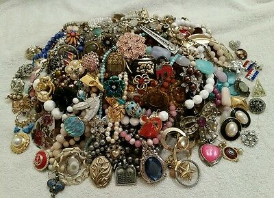 HUGE Vtg-Mod Costume Jewelry 5+ LB LOT Rhinestones, Necklaces, Earrings etc #15