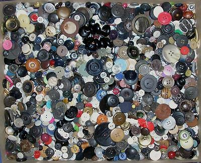 Lot 5 Lbs Vintage Sewing / Craft Buttons*free Priority Shipping