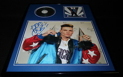 Vanilla Ice Signed Framed 16x20 To the Extreme CD & Photo Display