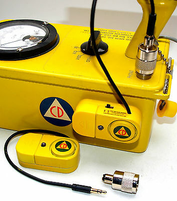 CD V-700 Geiger Counter Mini Speaker with LED Flasher & Headphone Adaptor