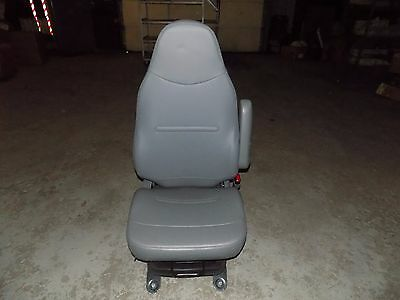 New OEM International Passenger Seat Chair Complete Assembly Air H215 3668264C92