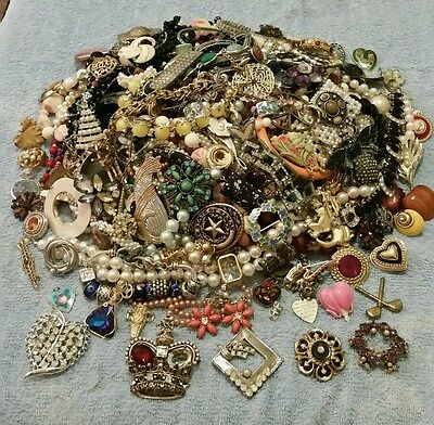 HUGE Vtg-Mod Costume Jewelry 5+ LB LOT Rhinestones, Necklaces, Earrings etc #8