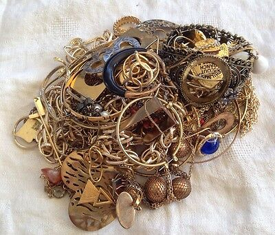 Gold Tone Jewelry 1 LB LOT: Necklaces, Earrings, Etc. Craft Repurpose #30
