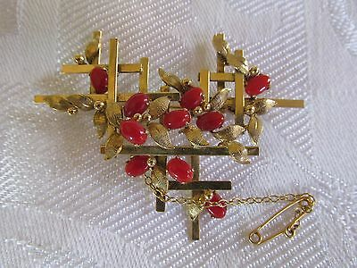 Superb Vintage 8ct Gold and Coral Brooch with safety Chain Valuation $4,000