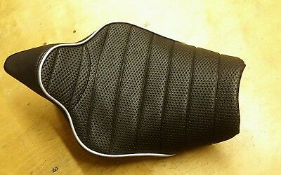 Black fluted VINYL CUSTOM FITS KAWASAKI Z1000 14-16 FRONT SEAT COVER