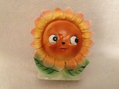 Vintage Anthropomorphic Sweet Little Brown Face Daisy Flower Face Wall Pocket