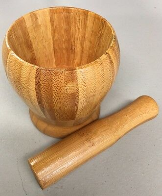 """Wood Motar And Pestle 4"""" tall And 3-1/2"""" Wide. Pilón Con Maceta."""