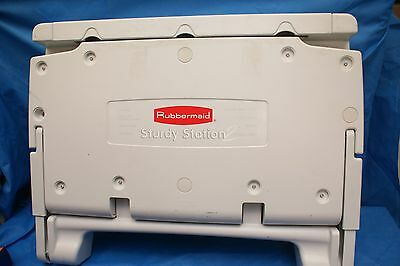 Rubbermaid Sturdy Station 2 Baby Changing Table Off-White