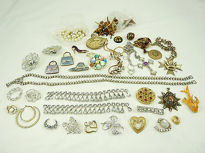 Nice Mixed Lot of Vintage Jewelry For Craft & Repair Trifari Sarah Coventry