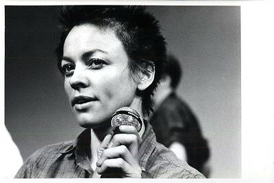 ORIGINAL GLOSSY PHOTO Laurie ANDERSON 18 x 24 cm