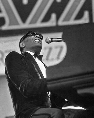 1968 Rhythem & Blues Pianist RAY CHARLES Glossy 8x10 Photo Newport Print Poster