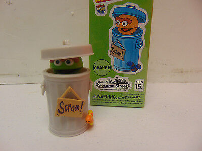 Sesame Street Kubrick Oscar the Grouch Green Series 2 Chase