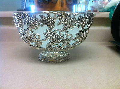 Godinger Silverplated Serving / Punch Bowl Grape Clusters With Glass Liner