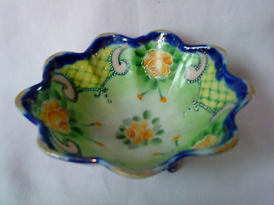 Rare Japanese Vintage 1950s Hand Painted Footed Porcelain Bowl Gold Trim