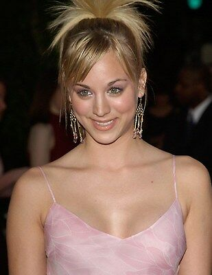"""Kaley Cuoco in a 8"""" x 10"""" Glossy Photo see"""