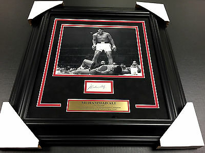 Muhammad Ali SIGNED AUTOGRAPHED SIGNATURE JSA LETTER COA WITH 8X10 PHOTO FRAMED