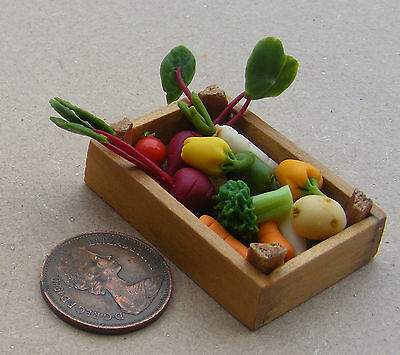 1:12 Scale Mixed Vegetable Selection In Wood Box Dolls House Food Accessory V1