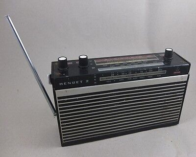 Altes  Kofferradio Tesla Menuet 2 Radio
