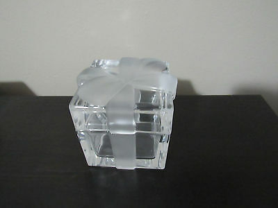 Tiffany & Co. Crystal Gift Box with Frosted Ribbon Bow Paperweight 3 1/4 inches