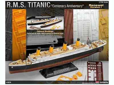 Academy 1/700 RMS Titanic - Coloured Model Kit 14214 Brand New