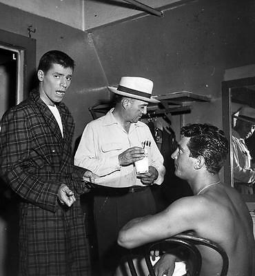 Dean Martin And Jerry Lewis In The Dressing Room 8X10 Photo Jw