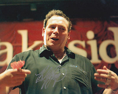 Darts - Bobby George signed 10x8 photograph with COA