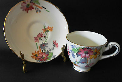 "Vintage Tuscan Fine Bone China Cup & Saucer Made In England Deco ""daisy"" Design"