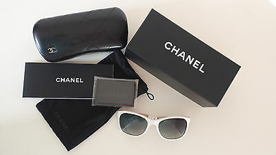 (MN) Chanel Sunglasses Denim Collection 5185 White/Gold denim, New With Case