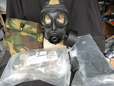Gas Mask British S10 Size 2 with NBC SUIT/GLOVES/BOOTS/SOCKS