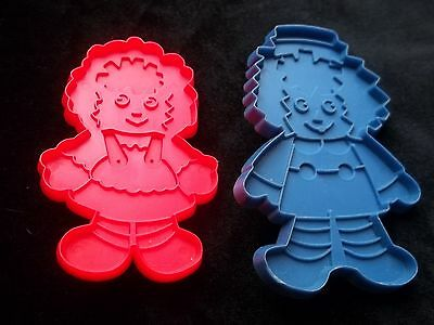 Lot 2 Vintage Cookie Cutters Raggedy Ann & Andy