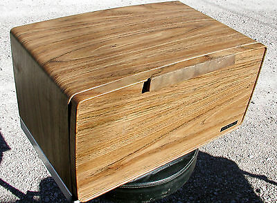 Vintage BEAUTYWARE Wood Grain BREAD BOX with CUTTING BOARD Very Nice
