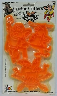CARTOON COOKIE CUTTERS ~Mighty Mouse, Deputy Dog, Heckle & Jeckle~ NEW Sealed!