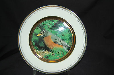 """Portraits in Porcelain Robin Plate with Gold Trim 6-1/2"""""""