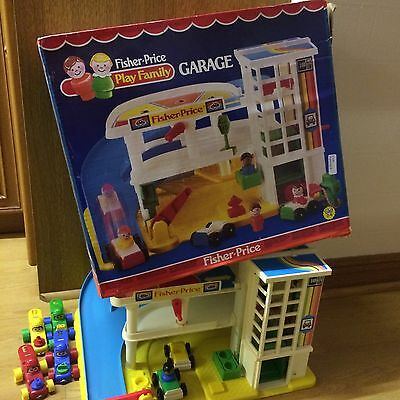 Fisher Price Vintage Play Family Garage With Cars And Person And box