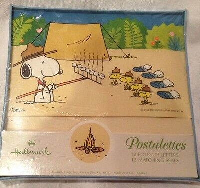 Vintage Hallmark 1965 Snoopy CAMPING Postalettes Note Cards 12 Count.