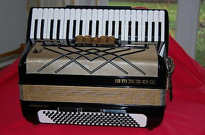 Very Nice, 120 bass Hohner Virtuola III Piano Accordion.