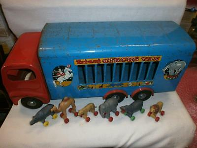 Triang 300 Series Circus Van With 6 Animals