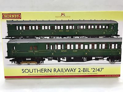 Hornby R3161B, Southern Railway 2-Bil 2147 Train Pack